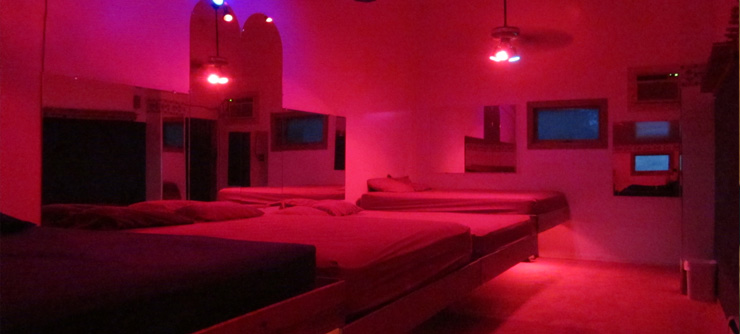 Schedule a tour at this swingers club in chicago